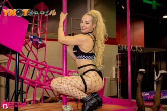adultcon_chicago19_045