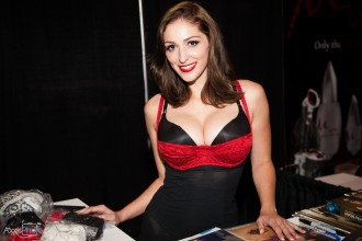 Chicago Exxxotica 2017 Alex