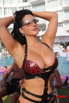 miami19_bikinicontest_006