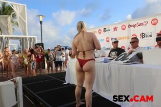 miami19_bikinicontest_028