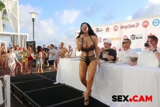 miami19_bikinicontest_029